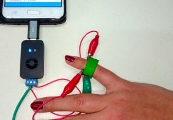 Носимый сенсор для определения сахара в крови